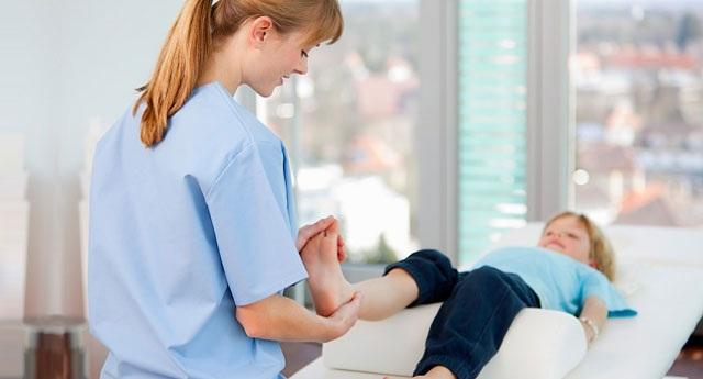 Điều trị viêm khớp ở trẻ nhỏ