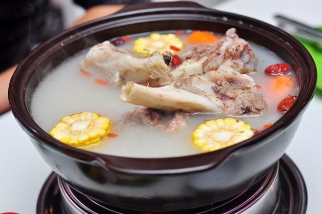 cac-mon-an-giau-canxi-tot-cho-xuong-khop-1