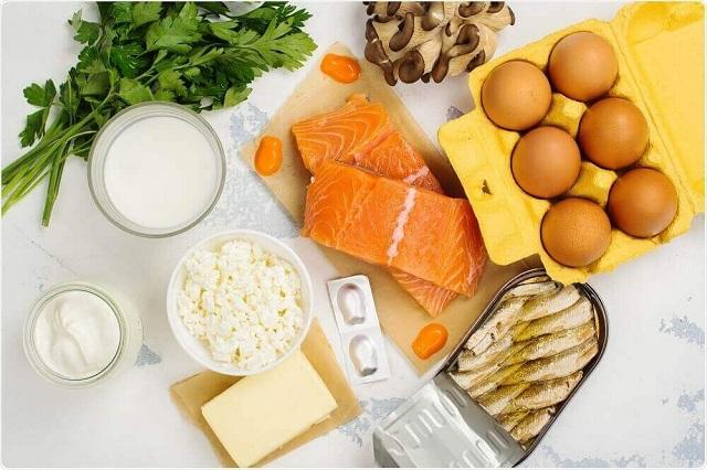 Bị tràn dịch khớp gối nên ăn nhiều vitamin C và D