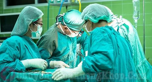 Chữa thoái hóa đốt sống cổ bằng phẫu thuật