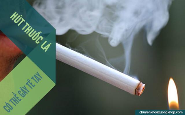 hút thuốc lá gây tê tay