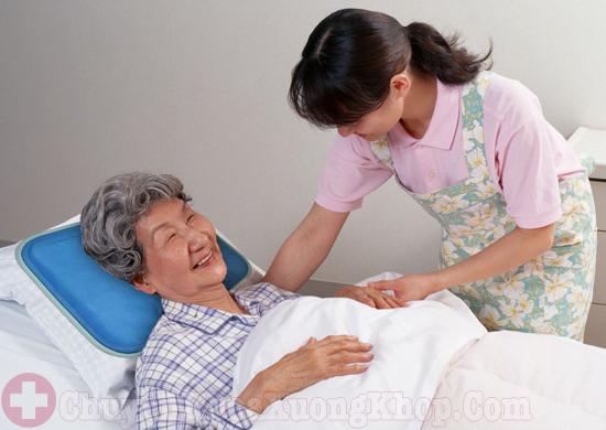 chăm sóc bệnh nhân sau mổ thoát vị đĩa đệm