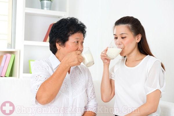 Uống sữa có phòng ngừa được loãng xương không