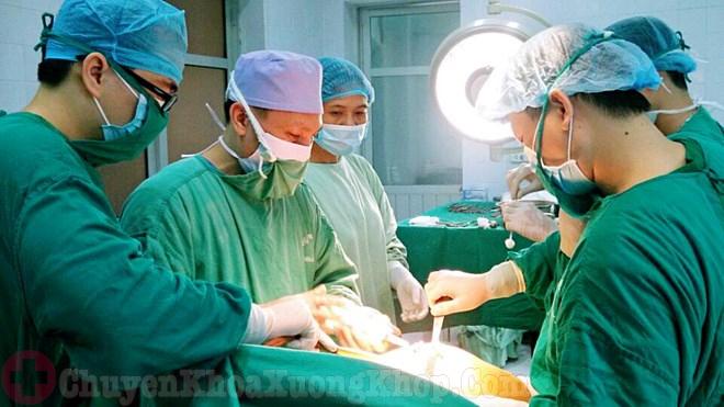 Phẫu thuật thay khớp háng nhân tạo chữa bệnh viêm khớp háng