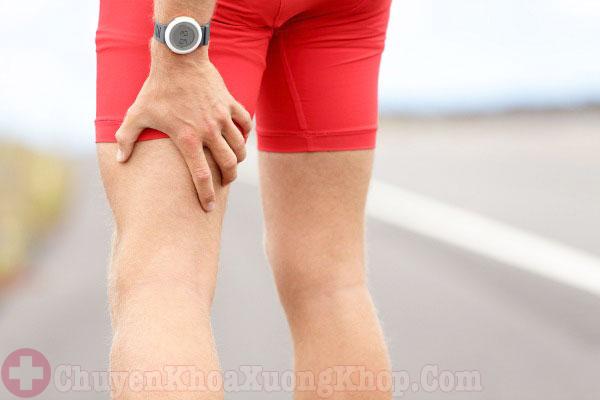 Đau và tê bì ở chân là triệu chứng thoát vị đĩa đệm L5 S1