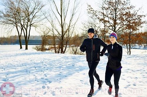 Tập thể dục là cách giảm đau khớp khi trời lạnh buốt