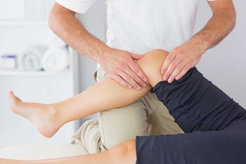 Tập yoga khi bị đau khớp gối