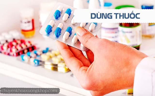 chữa thoát vị đĩa đệm không cần phẫu thuật bằng cách dùng thuốc
