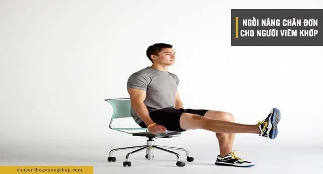 bài tập chữa viêm khớp ngồi nâng chân đơn