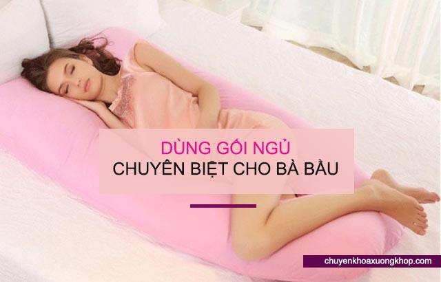 dùng gối ngủ riêng hạn chế đau khớp háng khi mang thai