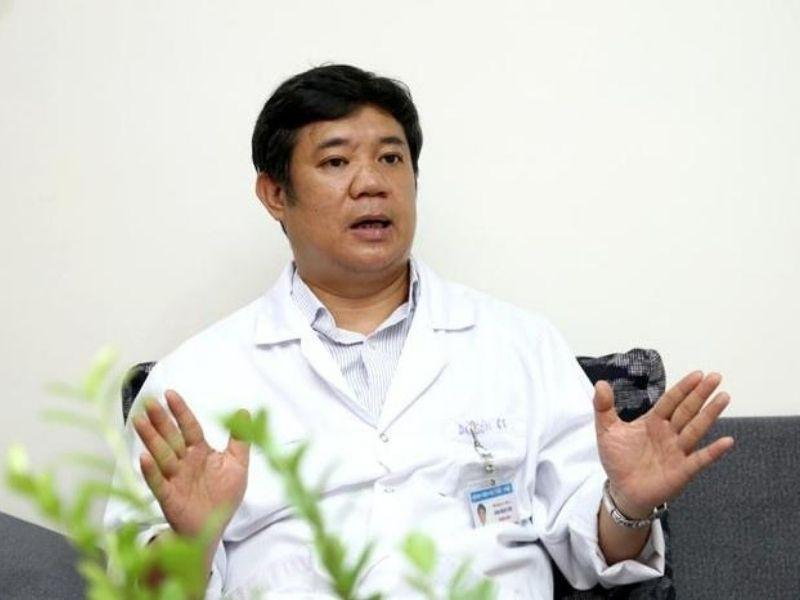 Bác sĩ Đinh Ngọc Sơn là bác sĩ chữa thoát vị đĩa đệm nổi tiếng tại Hà Nội