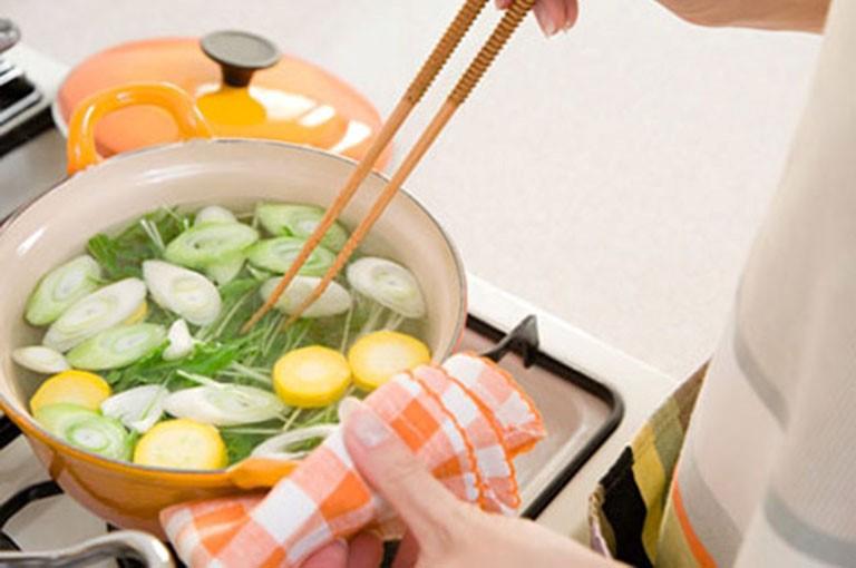 Bị thoát vị đĩa đệm nên ăn gì, kiêng ăn gì là kiến thức mọi người cần rõ