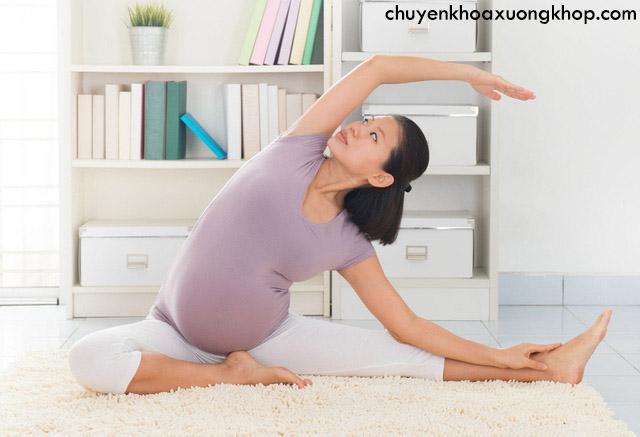 giảm cơn đau khớp xương chậu khi mang thai