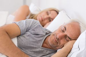 quan hệ vợ chồng khi bị đau thần kinh tọa