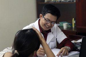 Có nên chữa gai cột sống tại nhà thuốc Đỗ Minh Đường không?