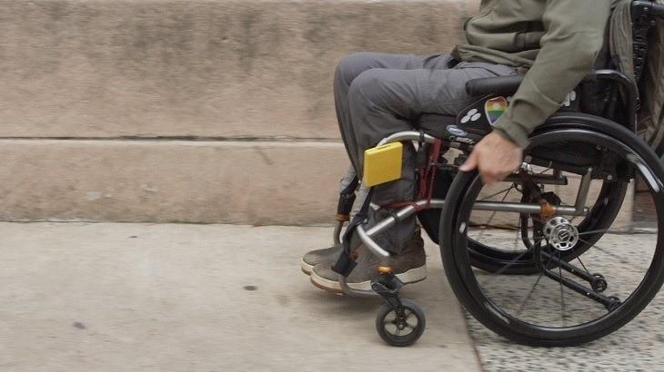 Người mắc thoái hóa nghiêm trọng có thể bị bại liệt