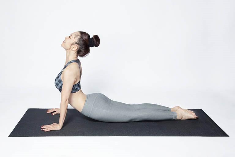 Bài tập chữa thoái hóa cột sống bằng cách tác động mạnh vào cơ lưng