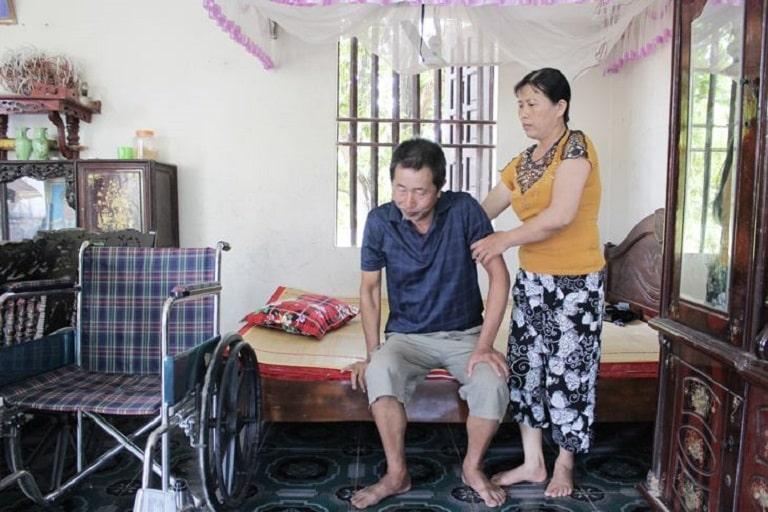 Chú Đăng từng phải ngồi xe lăn, phụ thuộc sinh hoạt vào người thân do thoát vị đĩa đệm