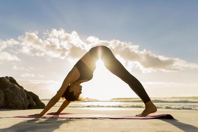 Tập luyện yoga khi bệnh chưa nghiêm trọng sẽ giúp người bệnh kiểm soát các cơn đau